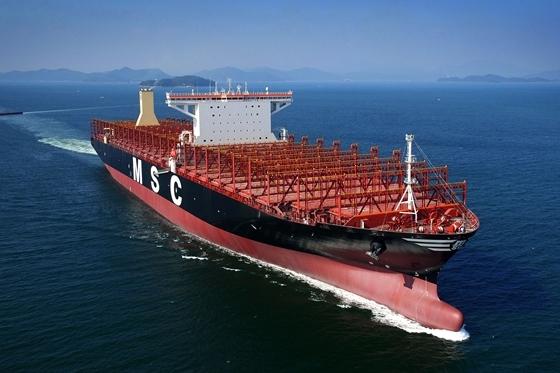 삼성중공업이 건조한 세계 최대 크기의 컨테이너선. /사진=삼성중공업