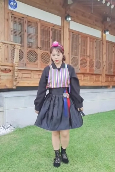 홍현희가 슬림해진 비주얼로 팬들에게 추석 인사를 하고 있다. /사진=홍현희 인스타그램