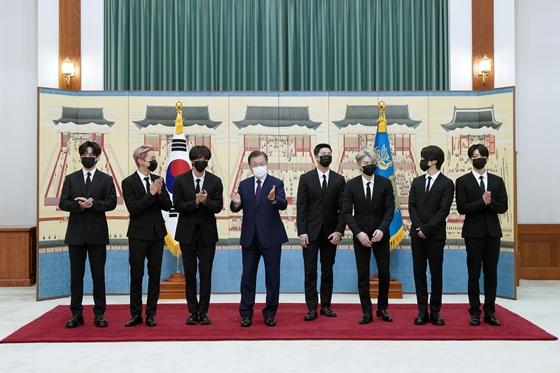 UN총회 연단 서는 방탄소년단… SDG 홍보대사 블랙핑크