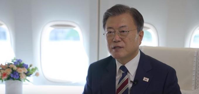 문재인 대통령은 지난 20일 페이스북을 통해 유엔 산하 세계지식재산기구(WIPO)에서 발표한 '2021년 글로벌 혁신지수'에서 우리나라가 세계 5위를 차지했다고 전했다. /사진=문재인 대통령 페이스북