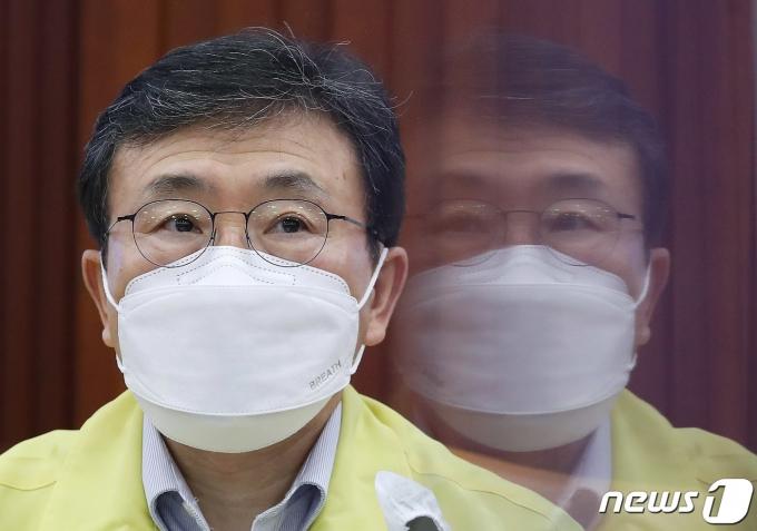 권덕철 중앙재난안전대책본부 1차장(보건복지부 장관). 2021.9.12/뉴스1 © News1 박정호 기자