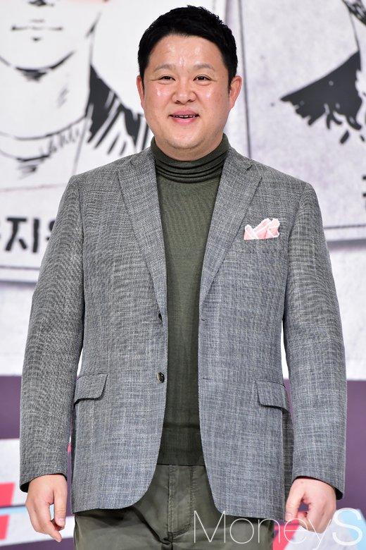 방송인 김구라가 두 아이의 아빠가 됐다. /사진=임한별 기자