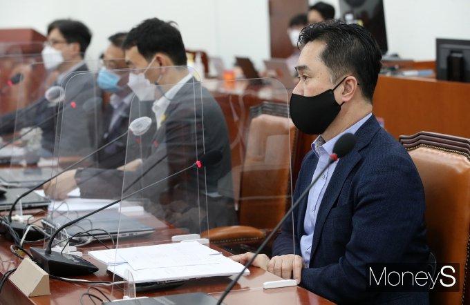 [머니S포토] 언론중재법 여야 협의체 9차 회의서 발언하는 김종민 의원