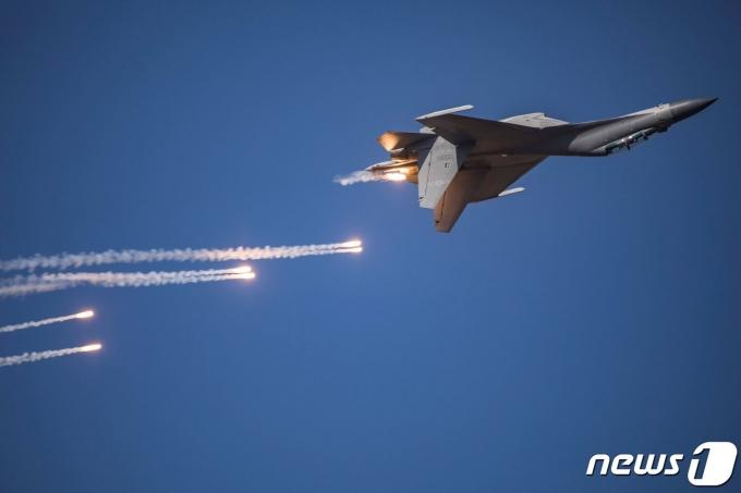 대만 방공식별구역(ADIZ)에 23일 진입한 중국 전투기 J-16. © AFP=뉴스1 © News1 원태성 기자