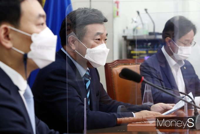 """[머니S포토] 與 윤호중 """"대장동 개발, 누가 했나…적반하장도 유분수"""""""