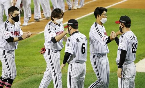LG트윈스와 삼성 라이온즈가 24일(한국시각) 저녁 6시30분 서울잠실야구장에서 격돌한다. 사진은 LG 선수단 모습. /사진=뉴스1