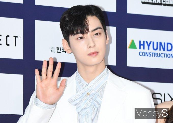 24일 비즈한국에 따르면 그룹 아스트로 멤버이자 배우 차은우가 대출 없이 49억원 상당의 펜트하우스를 매입했다./사진=장동규 기자