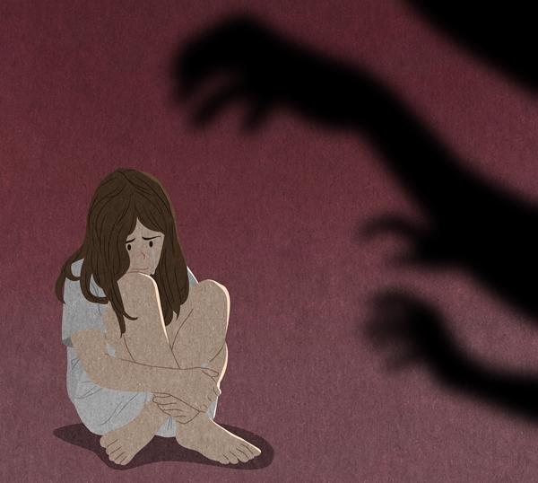 27일 법원에 따르면 검찰은 미성년자인 친손녀를 성폭행하고 이 과정을 불법촬영한 조부에게 중형을 구형했다. 사진은 기사내용과 무관함. /사진=이미지투데이