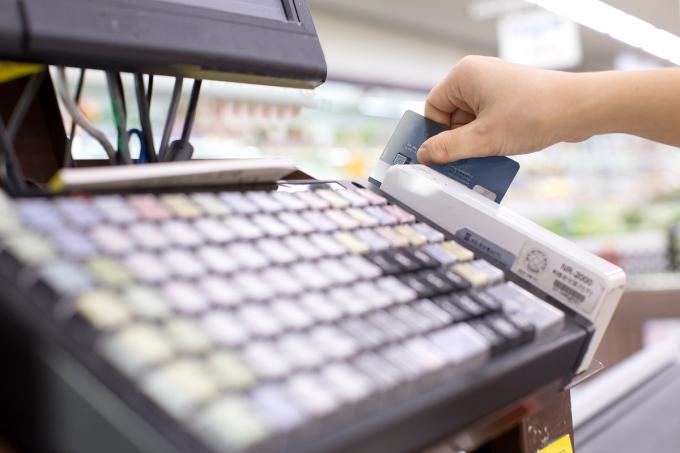 [Q&A] 알쏭달쏭 소비지원금 카드 캐시백… 실적 인정되는 곳 어디?