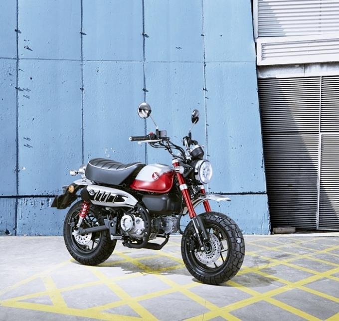 혼다의 대표적인 레저 및 취미용 소형 모터사이클 '몽키125'의 2022년형 모델이 국내 출시됐다. /사진제공=혼다코리아