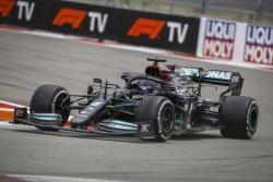 루이스 해밀턴, 러시아 그랑프리에서 개인 통산 100승 달성… 'F1' 최초
