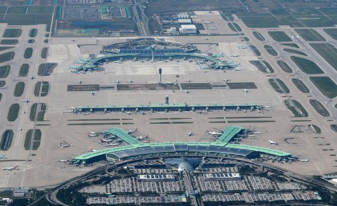 인천·김포공항 등 전국 15개 공항에서 사용되는 노후 지상조업 특수장비가 친환경 장비로 교체도리 전망이다. 사진은 인천공항 전경. /사진=인천공항공사