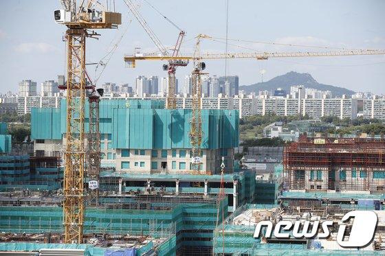 올해 서울과 경기도에서 6억원 이상에 매매된 연립·다세대 주택(빌라)이 2017년보다 2배가량 증가한 것으로 나타났다./사진=뉴스1