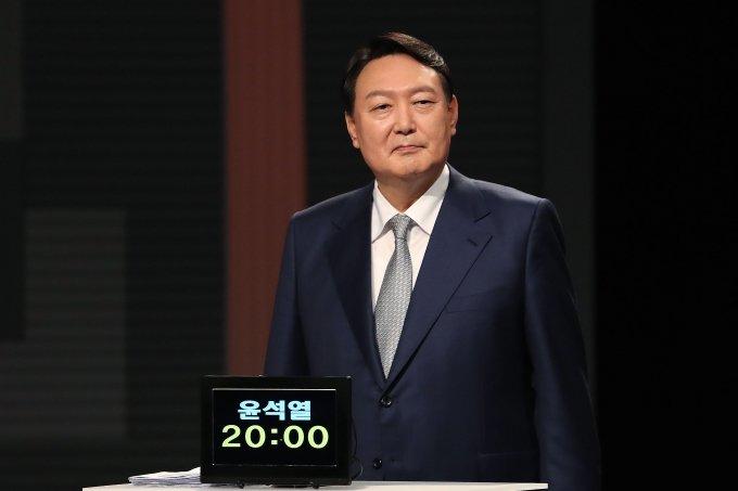 윤석열, 이재명 '상습적' 배임 행각... 지역 옮겨 '수법 되풀이'