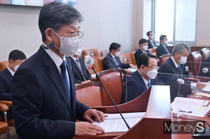 """[머니S포토] 코트라 유정열 """"물류 전용 수출 바우처, 중소기업에 계속 지원할 것"""""""