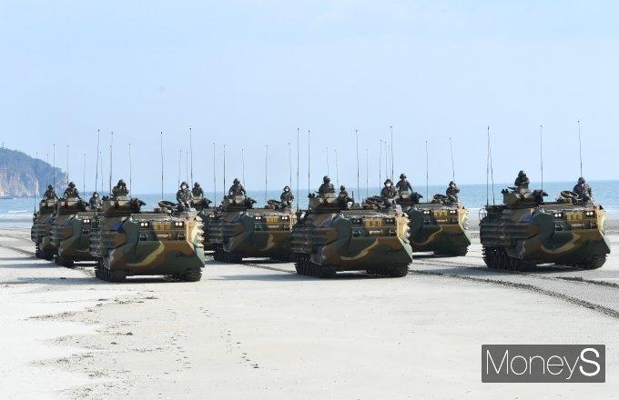 [머니S포토] '해병대 한국형돌격상륙장갑차'