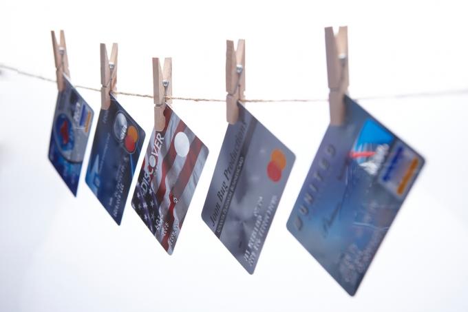 카드 수수료 또 인하될까 … 카드 노조, 1인 시위 나선다