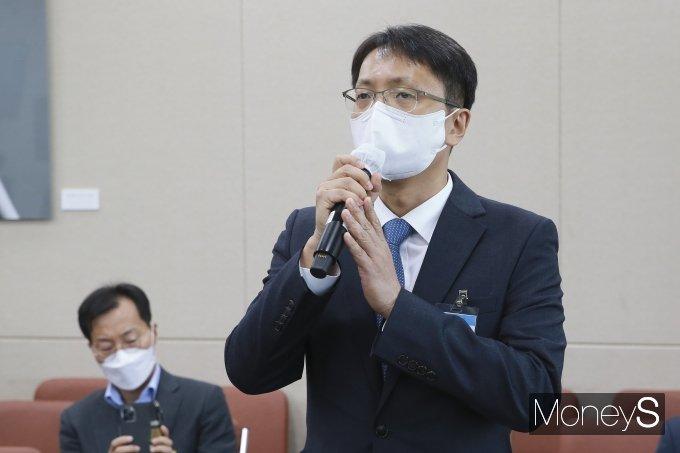 [머니S포토] 종합감사 질의 답변하는 박대준 쿠팡 대표