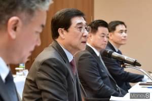 [CEO포커스] 배재훈 HMM 대표, 주주 불만 잠재울 묘수는
