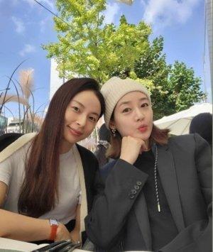 쌍둥이 임신 중 맞아?… 성유리, 털모자 쓰고 깜찍한 '요정 미모'