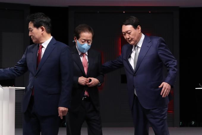"""홍준표·윤석열 으르렁… """"정상적 국정 운영 못해"""" VS """"전과 뻔뻔"""""""
