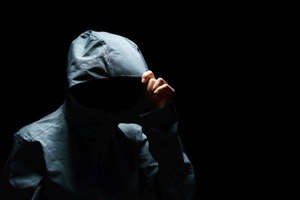 이웃집 택배 훔쳐 내용물에 체액 뿌린 남성… 감형?