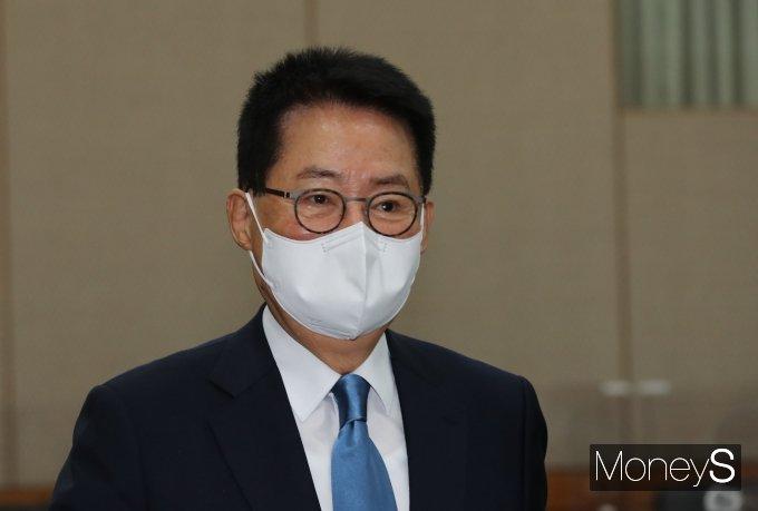 [머니S포토] 박지원 국정원장, 2021년도 국감 출석
