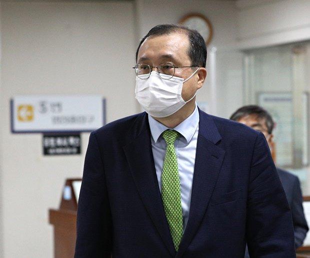 헌재, '재판 관여 혐의' 임성근 탄핵심판 각하 결정