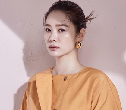 """김현주, 파스텔룩로 화사하게…""""기품 있는 스타일"""""""