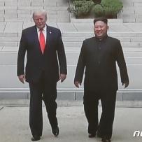 """트럼프 """"北과 긍정적 서신교환""""…북미 실무협상 활로찾나"""