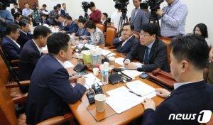 정개특위, 선거법 소위원회 의결…충돌우려(상보)