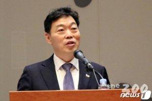 """민주당 """"오지마라""""에 국회 못 온 김오수 법무부 차관"""
