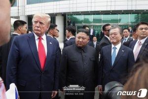 """""""美제재 유연성"""" 언급한 강경화…'비핵화 로드맵'에 달렸다"""