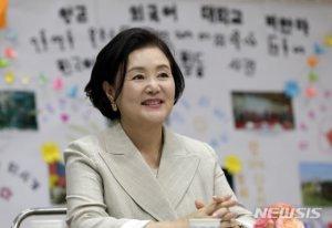 김정숙 여사, 한국어 가르치는 뉴욕 고교 가더니…