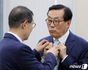 """[국감현장]MBC 연봉 '자료제출' 요구…방문진 """"제출 않던 게 관행"""""""