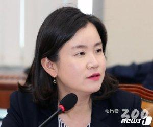 """[국감현장]신보라 """"'정규직 전환' 정책, 청년채용 줄여"""""""