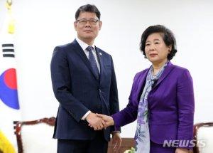"""통일부 """"현정은 방북 고려안해, 금강산 합의처리 촉구"""""""