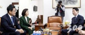 """여야 '방위비 결의안' 채택 불발…""""검찰개혁은 방미 때 논의할 것"""""""