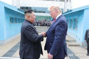 """""""곧 보자""""는 트럼프, 北김계관 """"시간벌이 안돼""""(종합)"""