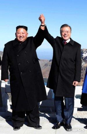 김정은, 文대통령이 끊어준 '부산행 티켓' 거부