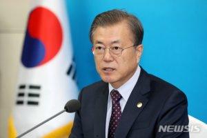 文대통령, 오늘 싱가포르 총리와 회담…'신남방' 모드로