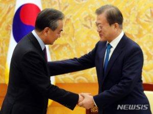 """시진핑 내년 상반기 국빈방한..文 """"평화프로세스, 중대 기로"""""""