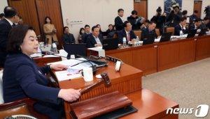 '타다 금지법' 국토위 전체회의 통과
