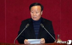 '4+1' 예산안 통과…'미니 필리버스터'로 맞서는 한국당