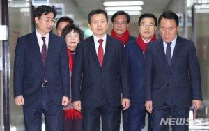 황교안 오늘 신년기자회견…원희룡과 통합논의