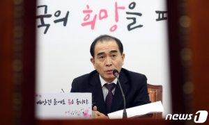 """태영호, 주민증 이름 '태구민' 승부…""""北 형제자매 구원"""""""