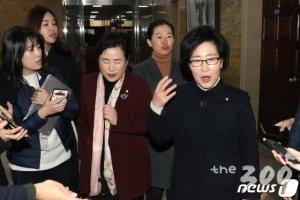 '손학규 버티기'에 바른미래당 의원 모두 떠난다