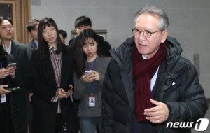 """통합당, PK 공천 심사…'인적쇄신' 공관위 """"용퇴할 생각 없느냐"""""""