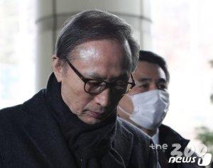 """민주당 """"MB, 대통령 신분을 돈벌이 수단으로 악용"""""""