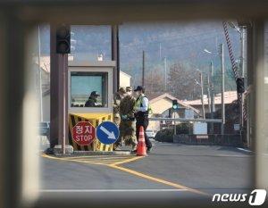 주한미군도 뚫렸다…첫 코로나19 확진자 발생, 韓 위험단계 '높음' 격상